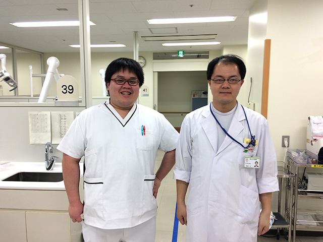 研修医(左)と指導医(右)